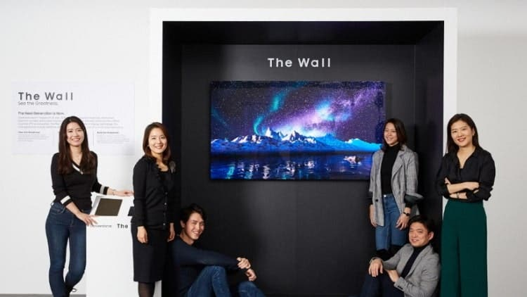 Samsung Unveils 219 Inch Led Nicknamed The Wall Dkoding