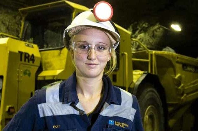Central-Government-women-work-in-mines-news-dkoding