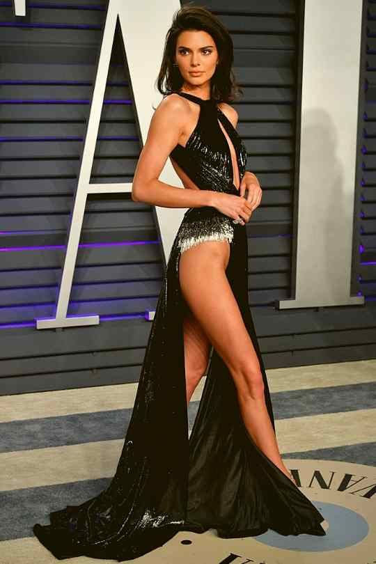 Kendall-Jenner-wearing-Rami-Kadi-oscar-after-party-2019-fashion-and-beauty-lifestyle-Dkoding
