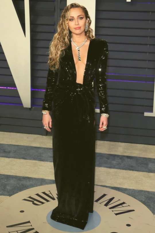 Miley-Cyrus-wearing-Saint-Laurent-Oscar-after-party-2019-fashion-beauty-Dkoding