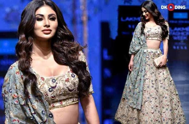 Mouni-Roy-ramp-lakme-Fashion-Week-2019-Videos-Dkoding