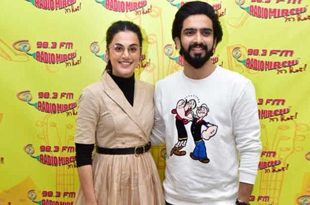 Taapsee-Pannu-Amaal-Mallik-Kyun-Rabba-Bollywood-Song-Launch-Badla-Amitab-bacchan-Videos-Dkoding