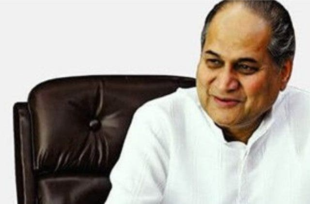 Bajaj-Finserv-rahul-bajaj-steps-down-as-the-chairman-Business-Industry-Dkoding