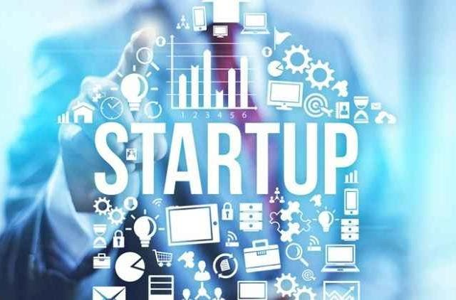 Fintech-startups-lead-India-into-becoming-financially-smart-business-tech-and-startups-DKODING