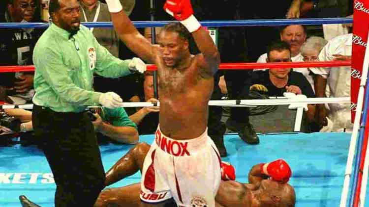 Lennox-Lewis-Knocked-out-Mike-Tyson-Boxing-Others-Sports-DKODING