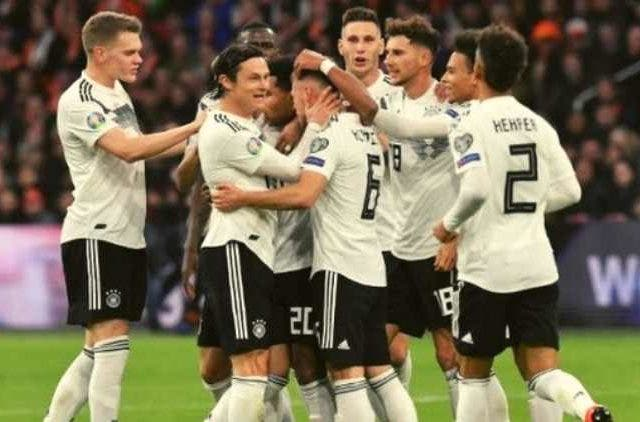 germay-celebrating-their-win-against-netherlands-in-uefa-euro-2020-football-sports-DKODING