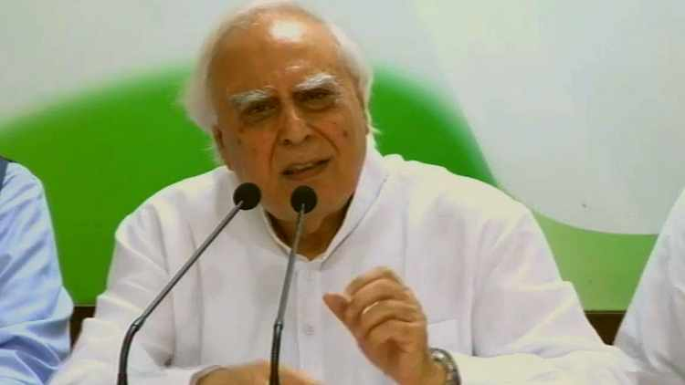 Kapil-Sibal-Live-At-Press-Briefing-Congress-HQ-Politics-India-DKODING