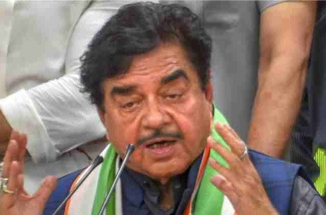 Shatrughan-Sinha-hits-out-at-Piyush-Goyal-india-politics-DKODING