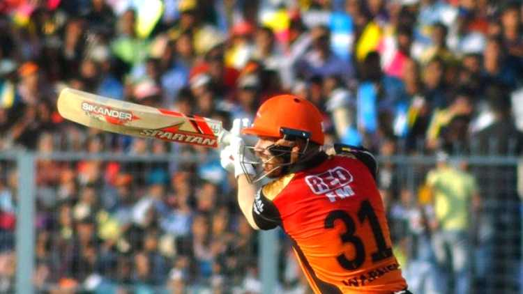 david-warner-playing-a-shot-in-ipl-2019-cricket-sports-DKODING