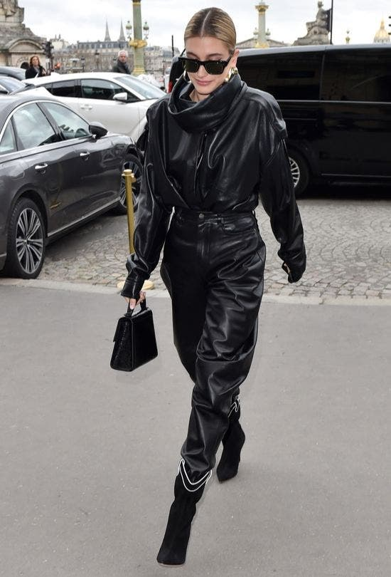All-Leather-Outfit-Black-Glossy-Fashion-And-Beauty-Lifestyle-DKODING