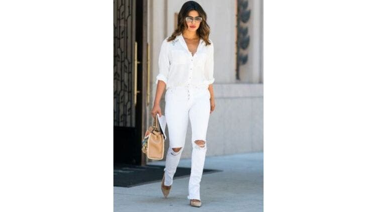 All-White-Hollywood-Fashion-And-Beauty-Lifestyle-DKODING