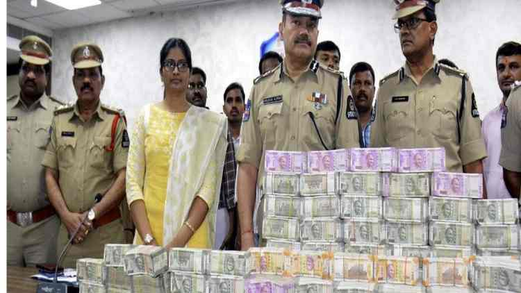 Alleged-BJP-Money-Seized-In-Asansol-India-Politics-DKODING