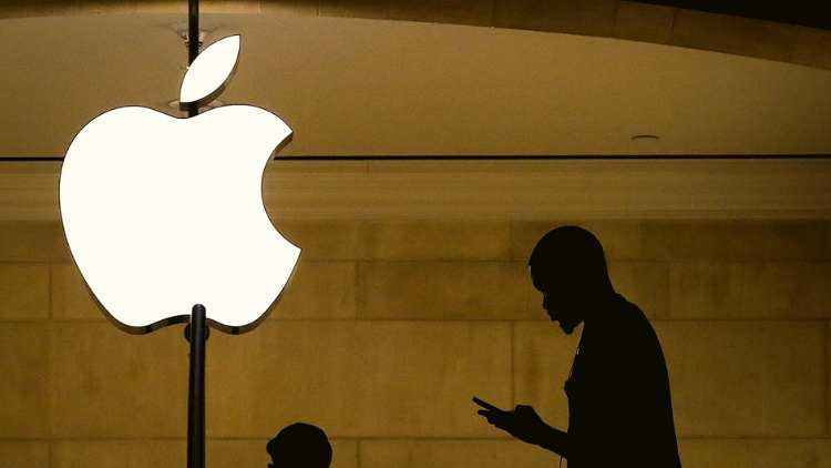 American-Teenager-Sues-Apple-For-1-Billion-Features-DKODING