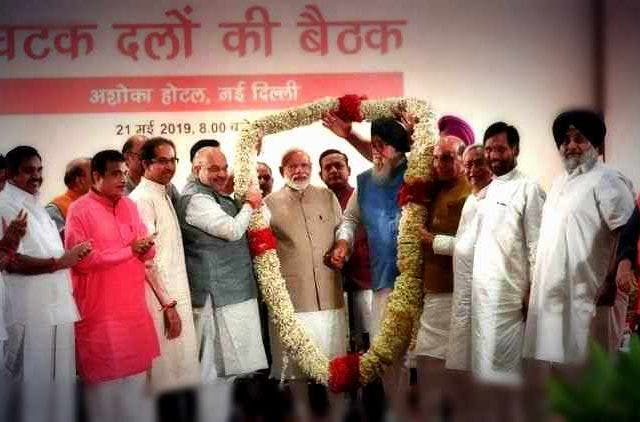 Amit-Shah-Hosts-Dinner-NDA-Allies-India-Politics-DKODING.jpg