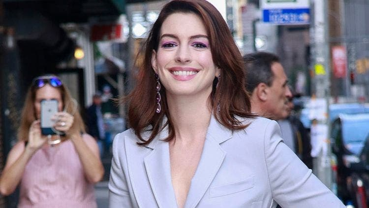 Anne-Hathaway-Celebrities-Given-Up-Veganism-Health-And-Wellness-Lifestyle-DKODING