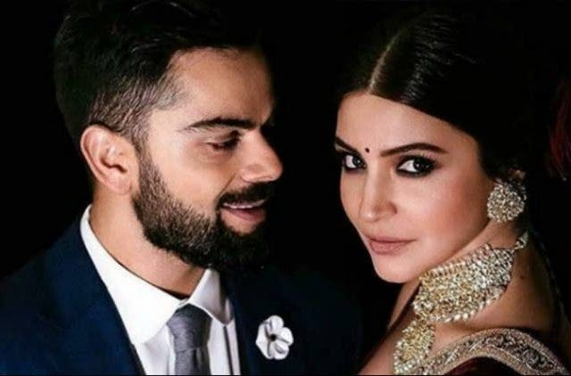 Anushka-Virat-Steal-Romantic-Movement-In-Delhi-Videos-DKODING