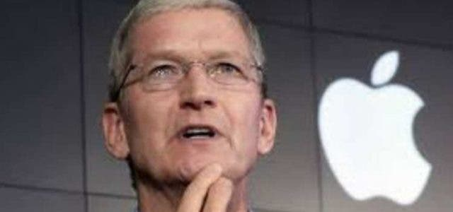 Apple-Ceo-Tim-Cook-Thinks-Bad-Manners-Glued-To-Your-iphone-Companies-Business-DKODING