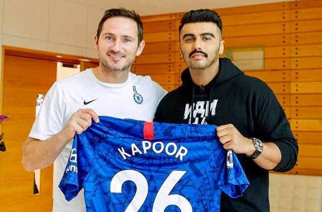 Arjun-Kapoor-Chelsea-FC-Bollywood-Entertainment-DKOIDNG