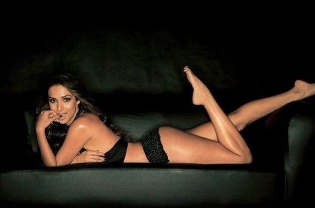 B-Town- Actresses-Perfect-Curves-Bollywood-Entertainment-DKODING
