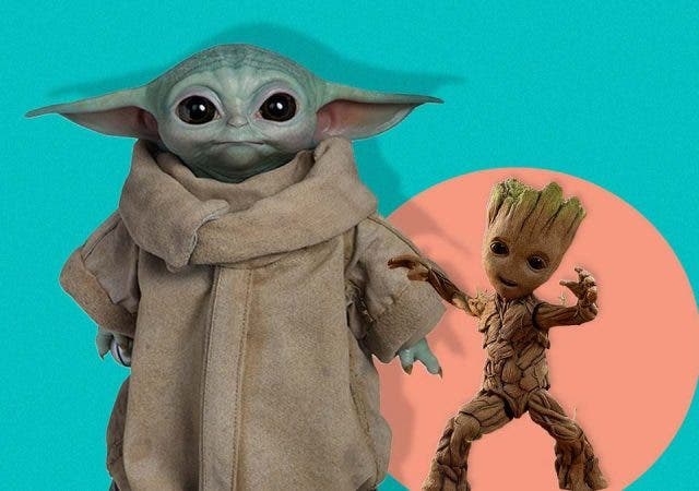 Baby Yoda vs Baby Groot fight
