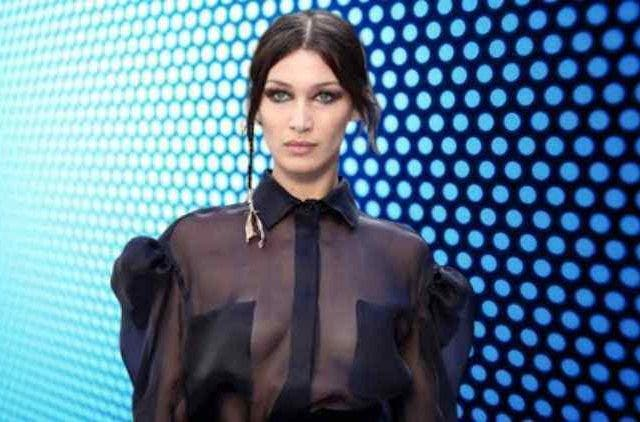 Bella Hadid dared to go braless