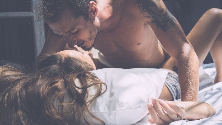 Best-Tips-Couple-Sex-Relationship-Lifestyle-DKODING