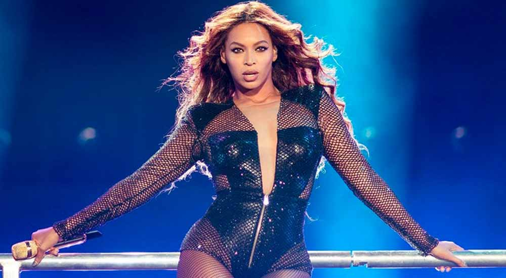Beyonce-Stage-Icon-Hollywood-DKODING