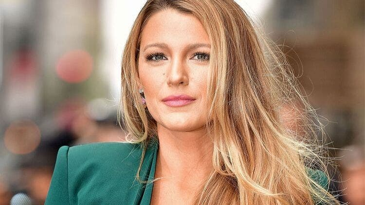 Blake-Lively-Hair-Mask-Fashion-And-Beauty-Lifestyle-DKODING