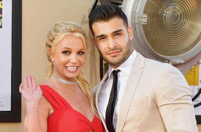Britney-Spears-Engaged-Premiere-Boyfriend-Trending-Today-DKODING