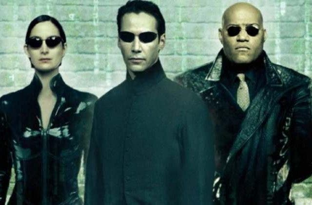 Carrie-Anne-Moss-Keanu-Reeves-Matrix-4-Entertainment-Hollywood-DKODING