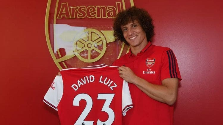 Arsenal stun on deadline day to sign David Luiz from Chelsea for $10m