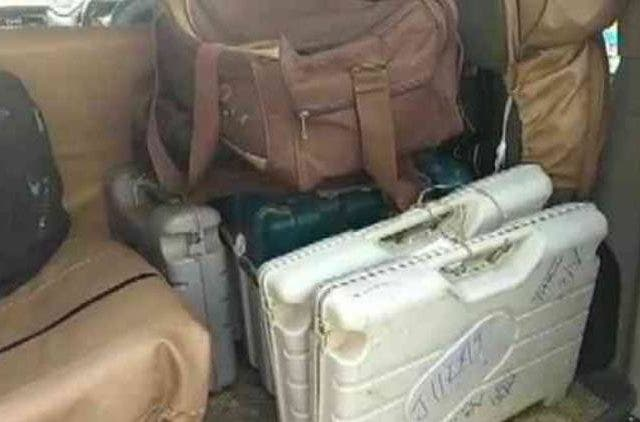 EVMs-Recovered-From-Muzaffarpur-Hotel-On-Polling-Day-India-Politics-DKODING