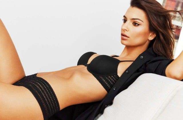 Emily-Ratajkowski-Poses-On-Couch-Hollywood-Entertainment-DKODING