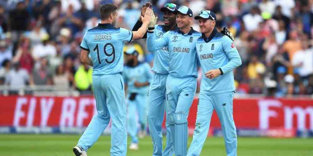 England-Bowlers-Dominates-Aussies-CWC19-Cricket-Sports-DKODING