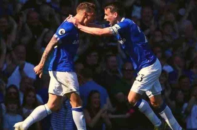 Everton-Defeat-Manchester-United-Football-Sports-DKODING