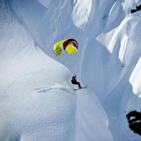 Extreme-sports-para-skiing-travel-and-food-lifestyle-DKODING