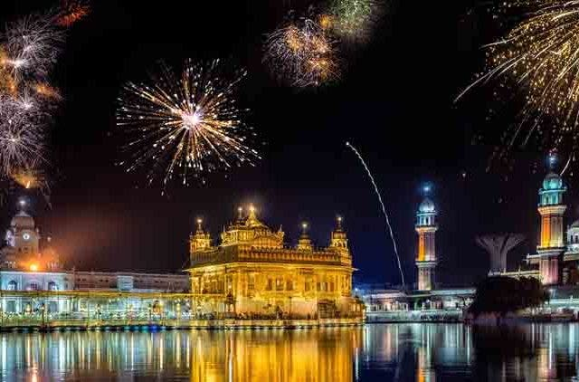 Fireworks-at-Golden-Temple-Videos-DKODING