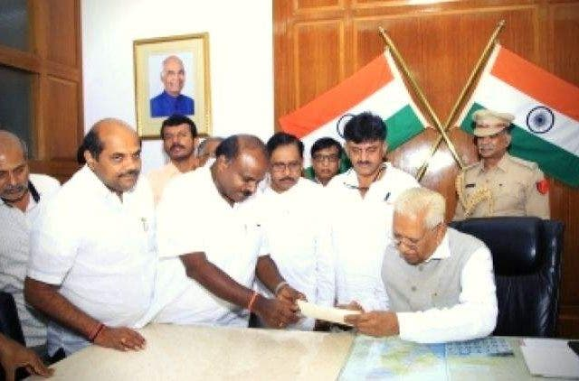 Governor-Vajubhai-Vala-Accepts-HD-Kumaraswamys-Resignation-India-Politics-DKODING