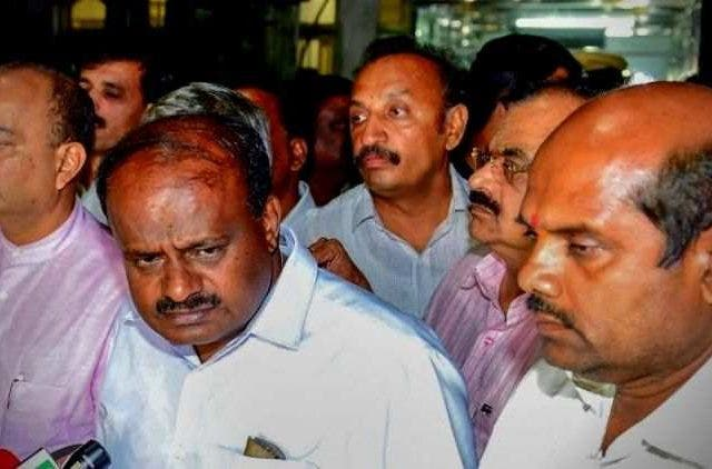Governor-Writes-To-HD-Kumaraswamy-Asks-Him-To-Prove-Majority-By-Tomorrow-Afternoon-India-Politics-DKODING