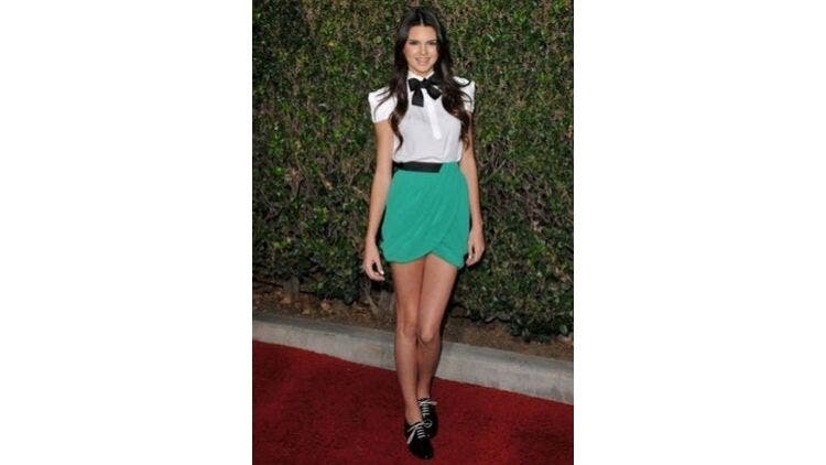 Green-Skirt-Bow-Tie-Fashion-And-Beauty-Lifestyle-DKODING
