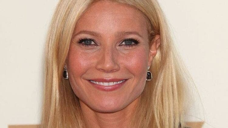 Gwyneth-Paltrow-Bee-Sting-Fashion-And-Beauty-Lifestyle-DKODING
