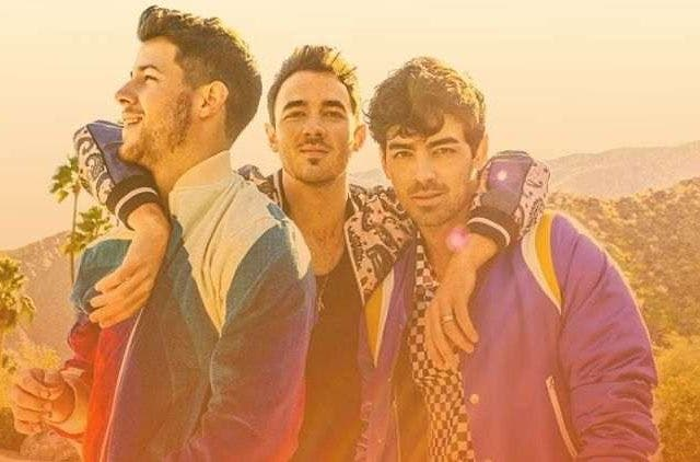 Happiness-Begins-The-Jonas-Brothers-Hollywood-Entertainment-DKODING