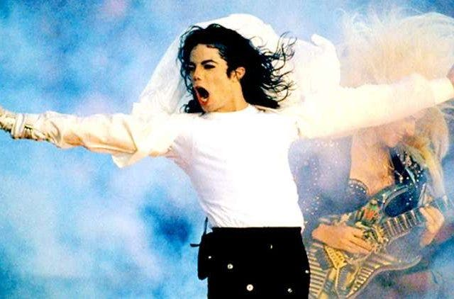 Happy-Birthday-Michael-Jackson-Hollywood-Entertainment-DKODING