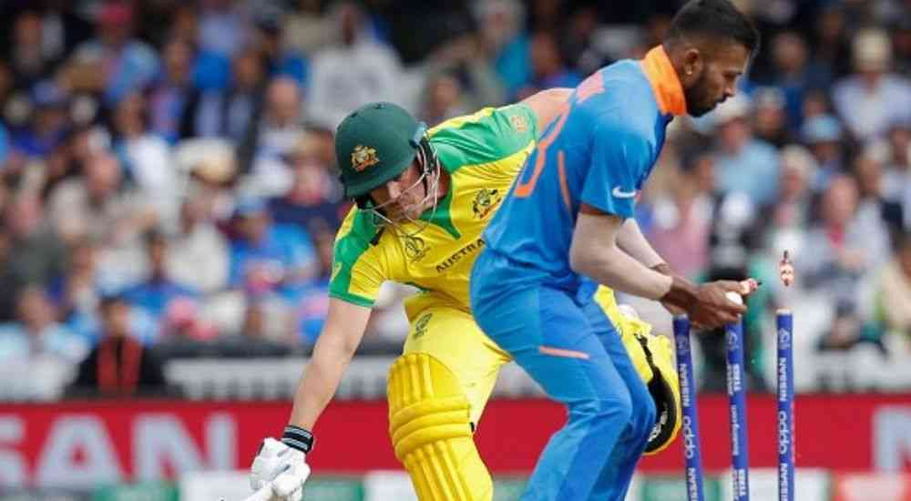 Hardik-Stumps-Steve-Smith-CWC19-Cricket-Sports-DKODING