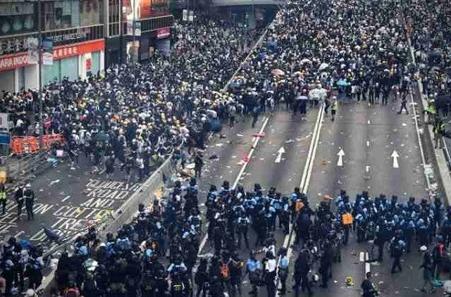 Hong-Kong-Clashes-Between-Police-Demonstrators-Continue-Global-Politics-DKODING