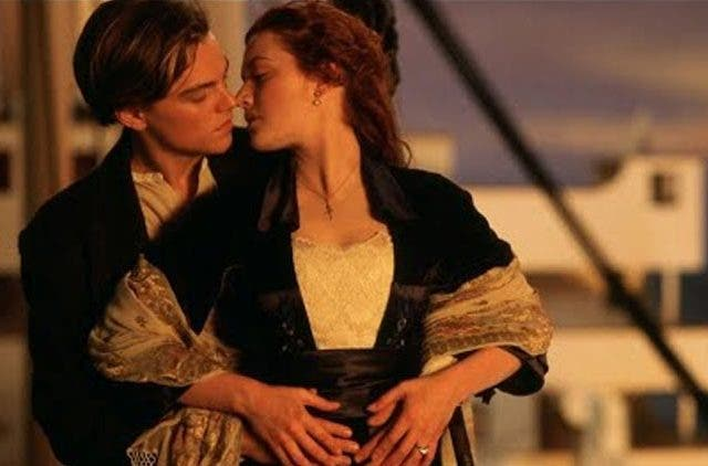Hollywood Hottest Kissing Scenes