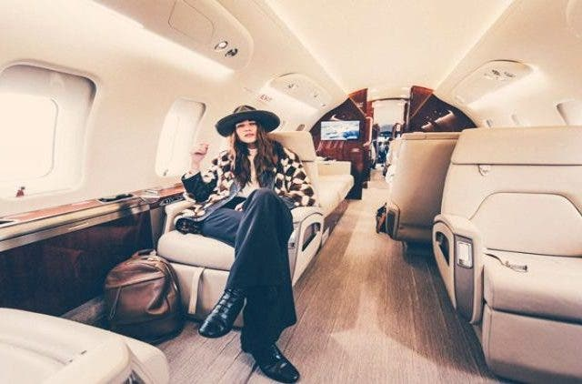 How-To-travel-first-class-on-a-budget-NewsShot-DKODING