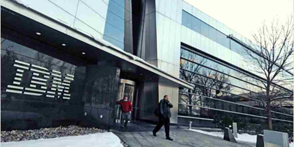IBM-Ousted-100000-Older-Employees-Companies-Buisness-DKODING