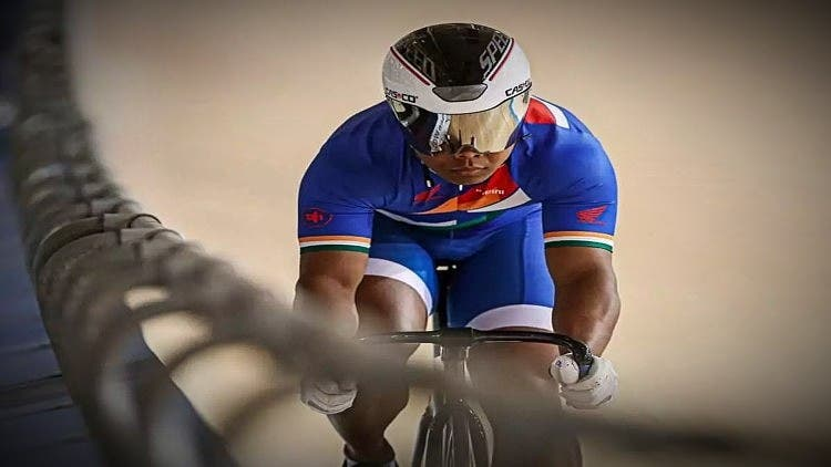 Indian-Cyclist-Esow-Alben-Won-A-Gold-Medal-Other-Sports-DKODING