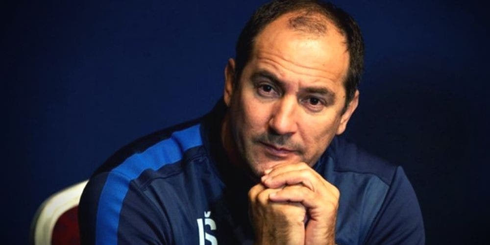 Indian-Players-Coach-Igor-Stimac-Football-Sports-DKODING
